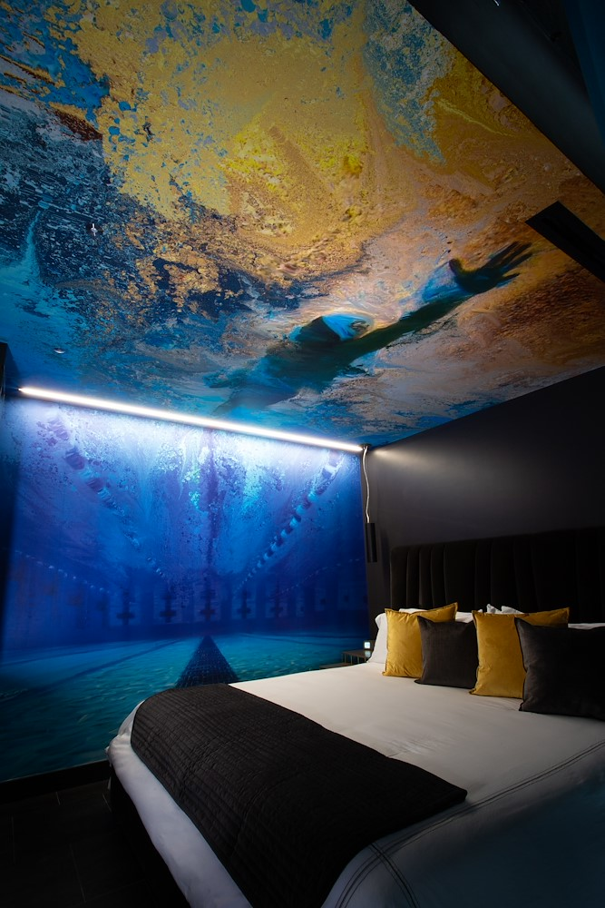 SUITE10 Swimmer on ceiling