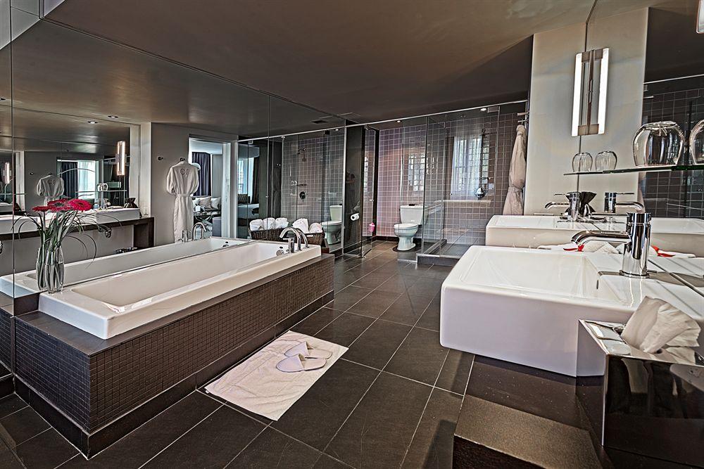 Godin Suite Bathroom