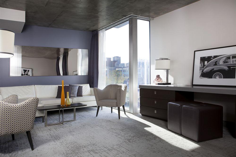 Salon Suite Junior HOTEL10
