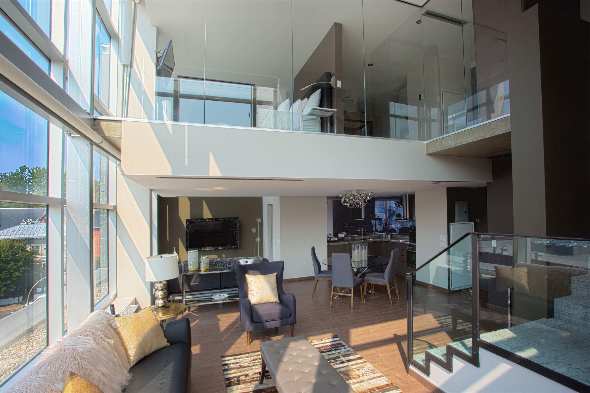 Salon vue Mezzanine Penthouse HOTEL10